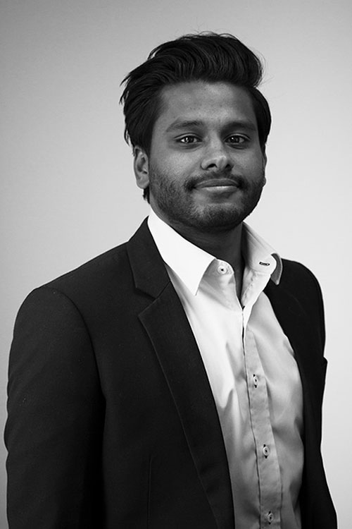 A portrait of Gture's Senior project manager Janagan